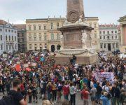 Freie Schulen demonstrieren für höhere Zuschüsse